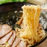 野菜の旨みを感じられるスープが麺に絡む!
