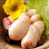 「地鶏白子の湯引き」特製のポン酢でお召し上がり下さい