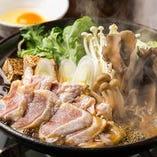 「地鶏すき焼き」ピリ辛の割り下で炊き上げた「大和肉鶏」