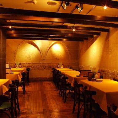 ナポリの下町食堂 お茶の水店 店内の画像
