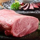 ディナーコースは3種の食べ方で宮崎牛を贅沢に味わえます。