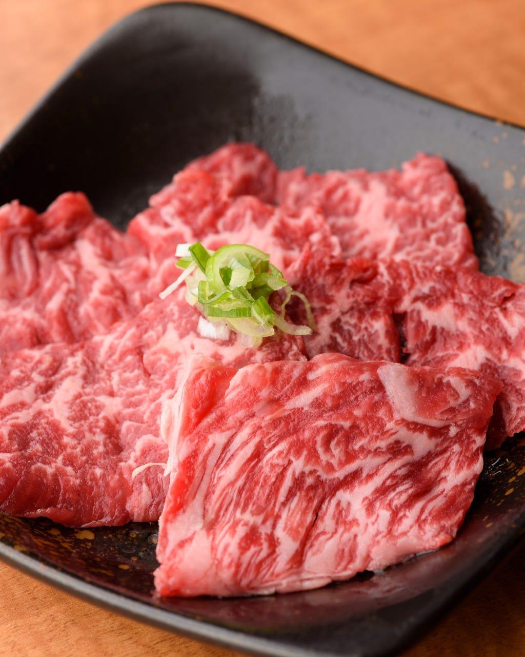 こだわり抜いた絶品赤身肉を堪能