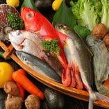 亀山本店の名物!豊洲から直送される旬鮮魚の刺身【東京都】