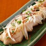 宮崎県銘柄鶏「桜姫鶏」のモモ肉のやわらか炙りは絶品【宮崎県】