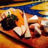 厳選チーズの盛合せ