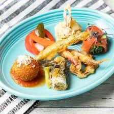 魚やお肉、野菜など様々な料理を用意