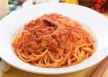 カプリ定番!トマトとニンニクのスパゲティ