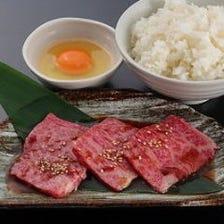焼肉やステーキなど種類豊富な定食