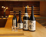 日本酒党たちの垂涎の的ともいうようなレアな酒も揃っている。
