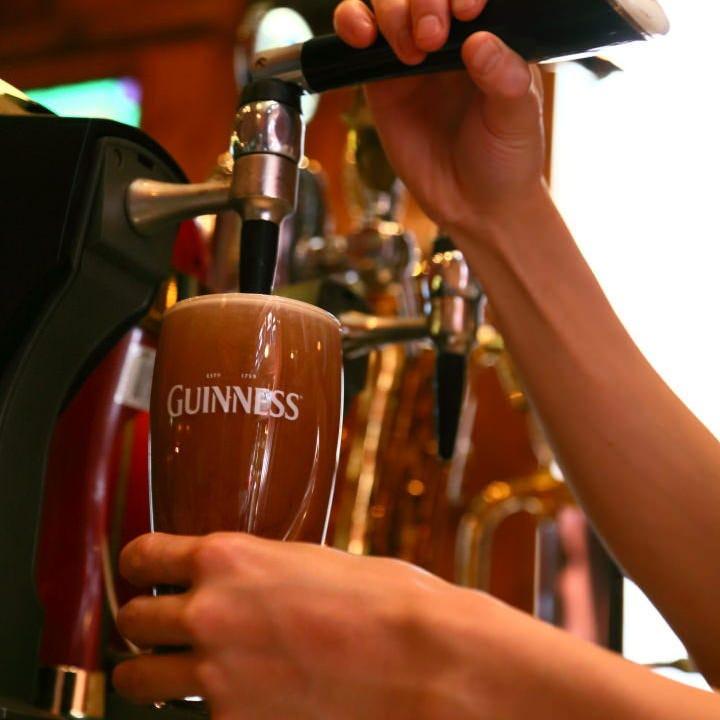 磨かれた技で注ぐ、世界の樽生ビール