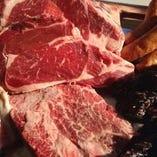 食肉業界、食品業界に永年在籍した店主が厳選した食材