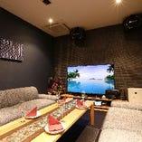 パセラは全てアジアン・リゾート風のお洒落な個室です。人数によって様々なお部屋をご用意しております。