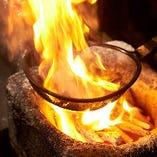 【炭火焼】 炭火で豪快に焼き上げたさつま地鶏!まさに絶品♪