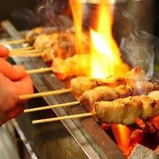 炭火焼き鳥など一品料理も充実!