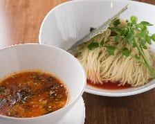 スープに合わせて、毎日店主が製麺