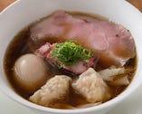 特製醤油拉麺