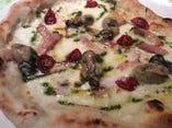 牡蠣のピッツァ  パンナ