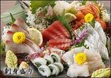 仕入れたばかりの旬の鮮魚をお楽しみください。