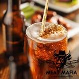 全国各地のクラフトビールや果実酒など豊富な品揃え。
