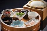 出来たての温かいお豆腐の甘味をお楽しみください。
