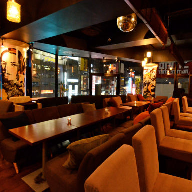 kawara CAFE&DINING 新宿東口店 店内の画像