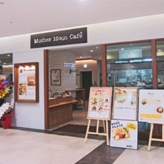 Mother Moon Cafe umie店