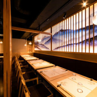 テーブル席・完全個室(壁・扉あり)・9名様~16名様