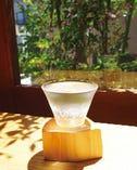 「昼酒グラス」は、昼だけのお得なサービス。休日の贅沢を満喫。