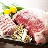 山形牛や北海道から直送される肉類