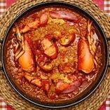 汁気を多く作るオマール海老のパエリア。ガリシア地方の郷土料理