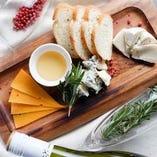 「5種チーズの盛り合わせ」