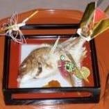 お祝いの焼鯛もご用意可能です。