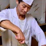 素材選びから盛り付けまで、腕によりをかけて調理いたします。