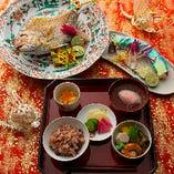 お子様の健やかな成長を願うお食い初めの儀式にも花貴でぜひ。焼鯛と歯固めも合わせて、5,000円(税サ別)よりご用意させていただきます。
