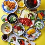 牛すき1人鍋と桜海老、蛤、新筍など旬の味覚を詰め込んだ『季節のコース』