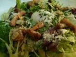 温泉玉子とパンチェッタのシーザーサラダ