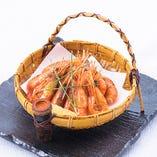 北海道産姫牡丹海老素揚げです、揚げただけでおいしい、姫牡丹海老です。