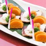 出生魚の鰤は冬に旬を迎えます。程よい脂身ののった旬の鰤をさっぱりとしたポン酢でお召し上がりください。