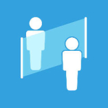 【1】席の間にアクリル板を設置 間隔を保ってお席にご案内いたします