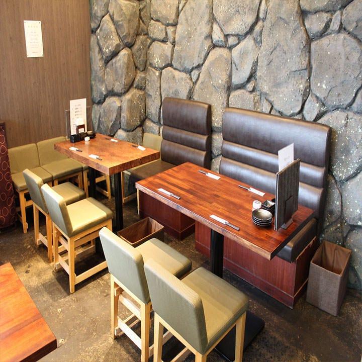 テーブル席(4名様~28名様)