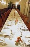 30名様一同に 会食出来るテーブル。