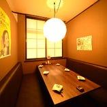 当店でも人気の2階テーブル個室は最大6名様までご利用できます!
