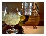オーガニックハーブ サングリア  赤・白 デキャンタ 600ml/1.2L:ビタミンとミネラルが豊富なワインとフルーツとハーブのカクテルです。ワインのポリフェノールはもちろんフルーツのビタミンとミネラル、ハーブの働きによって身体が錆びない究極の抗酸化ドリンク。超ヘルシーで低アルコール!