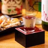 定番10種の地酒のほかに季節、産地各種の隠し酒あります!