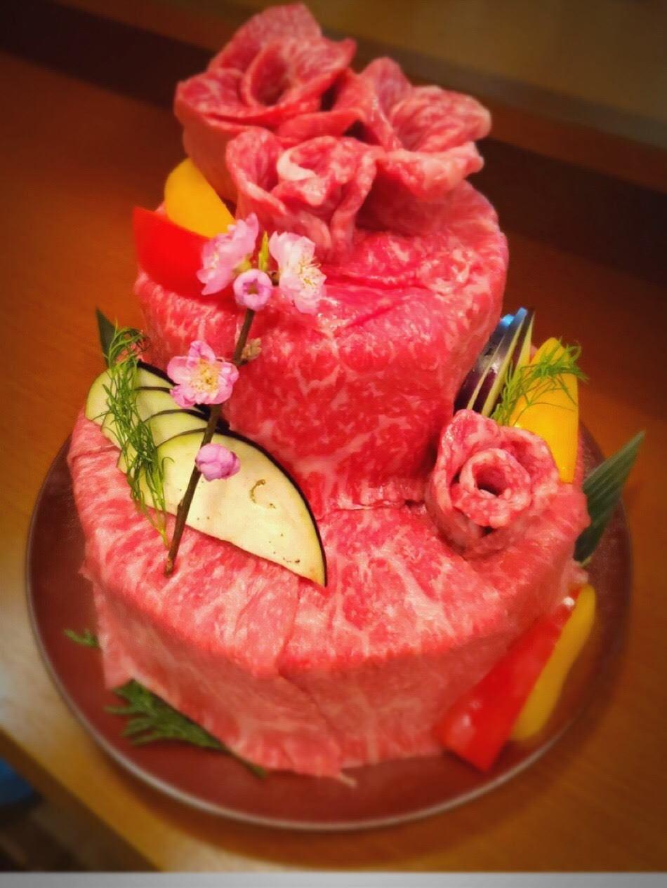 歓送迎会お誕生日にサプライズ肉ケーキどうですか?