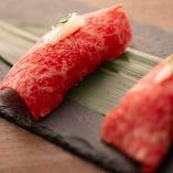 数ある和牛メニューの中で特に人気がある「肉寿司」
