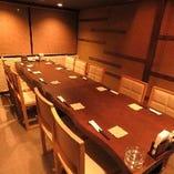 落ち着いた雰囲気で食事を楽しめる個室