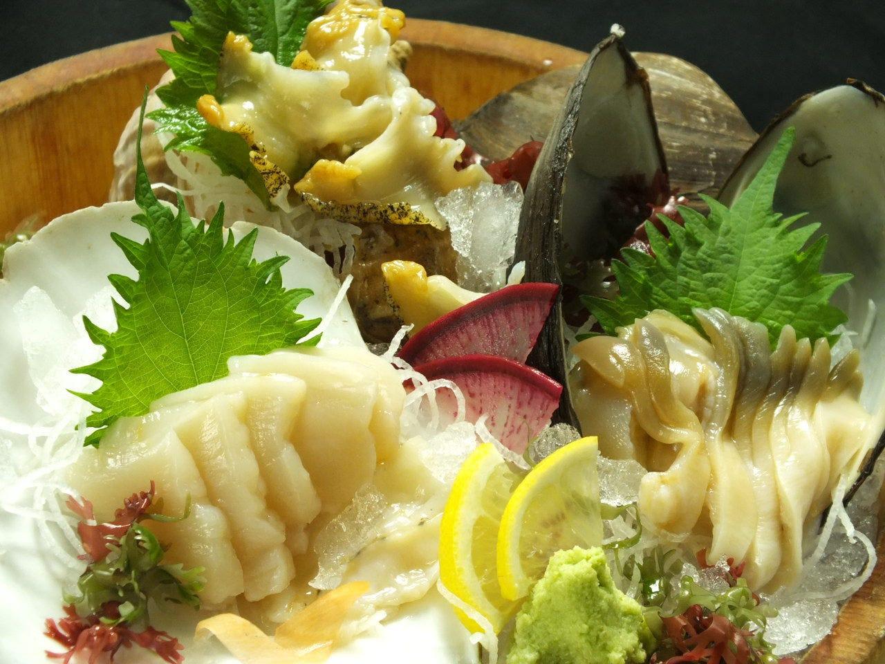 当店人気! 北海道の活貝3種活つぶ・活ホッキ・活帆立の盛合せ