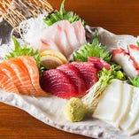 皆でシェアできる山盛り刺身♪様々なお魚をご堪能いただけます。