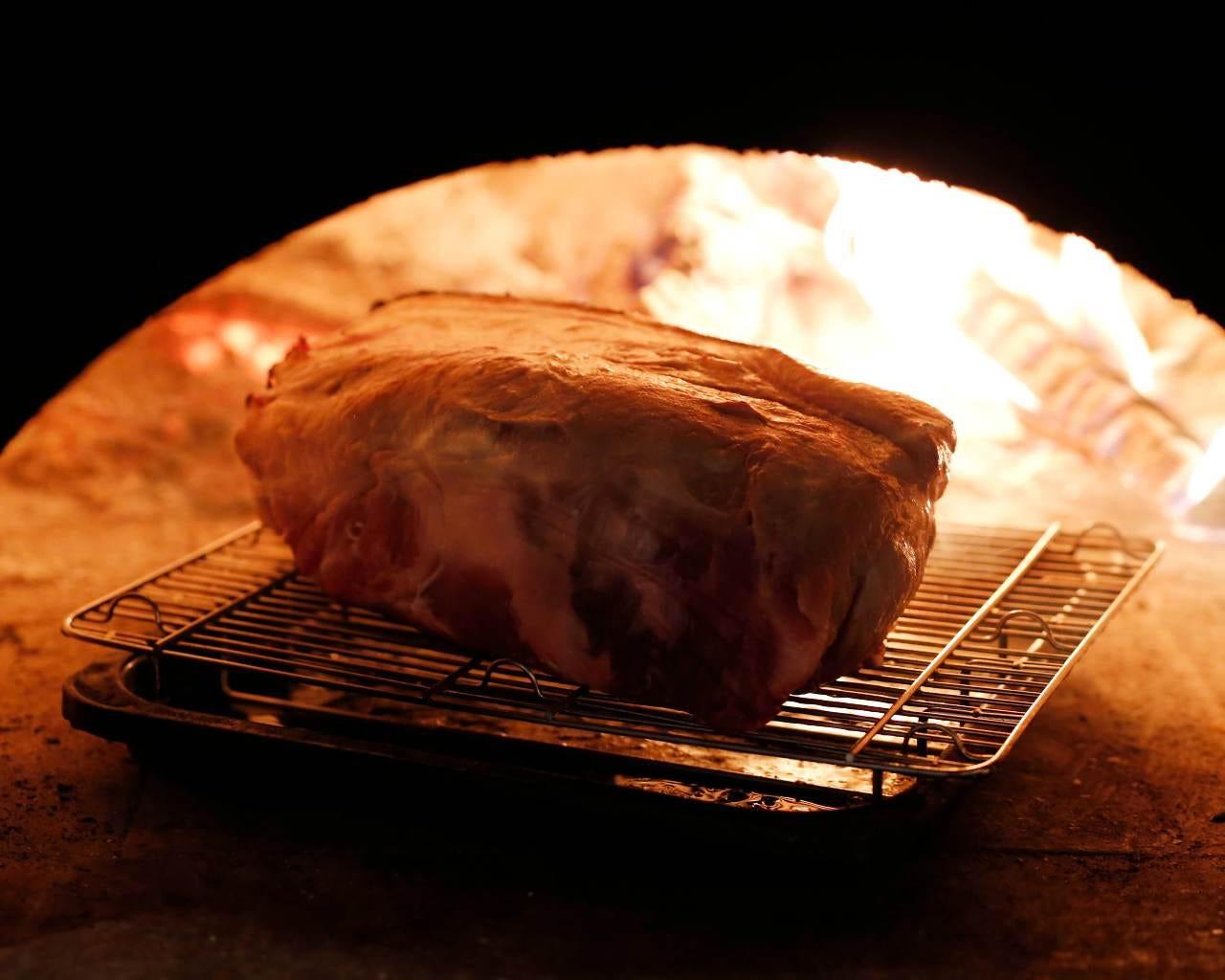 ◆薪窯で焼き上げる神戸牛◆